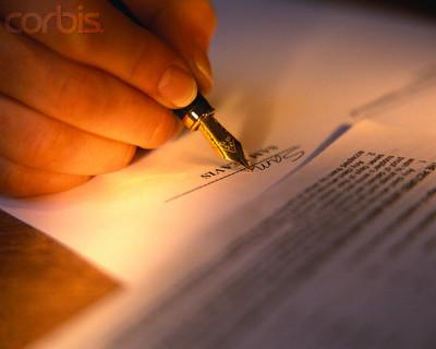 Luật sư soạn thảo hợp đồng